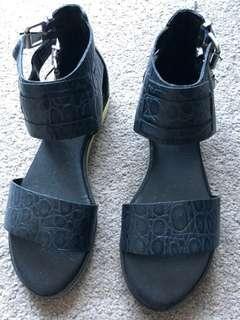 Senso (size 35) sandals unworn