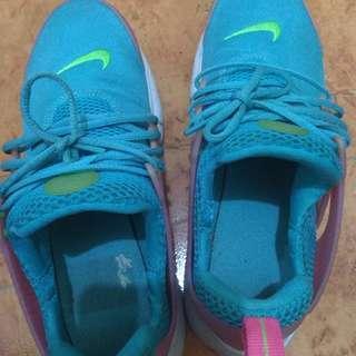 Nike Presto shoes ~ Unicorn color