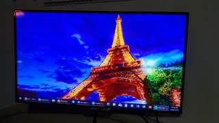 """40"""" Philips LED TV with rotating wall mount"""