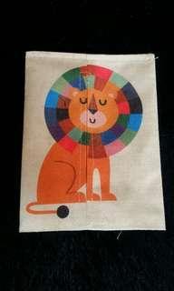Tempat tissu lion