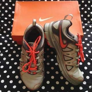 Nike Womens Air Alvord 10 Rubbershoes