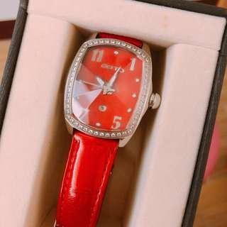 🚚 (二手商品)王心凌代言專櫃GOTO鑽石切割手錶 (大紅色)