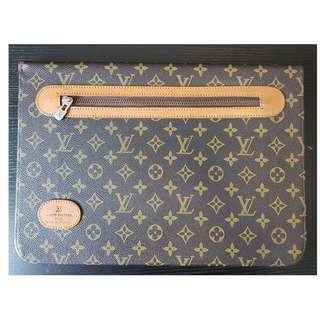 🚚 Imitation Louis Vuitton Laptop Sleeve/ Folded Monogram Canvas