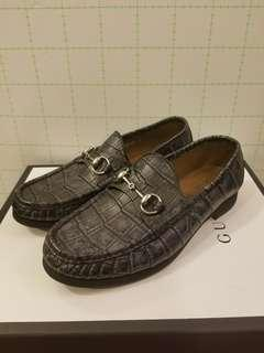 Gucci MEN Size 6 crocodile leather loafers