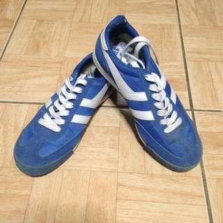 Gola rubber shoes