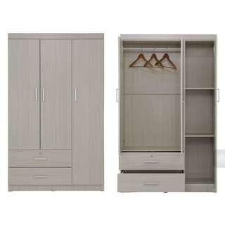 White wash 3 door wardrobe with drawers ♥️