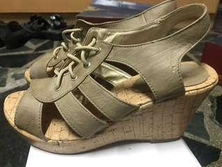 🚚 楔形涼鞋