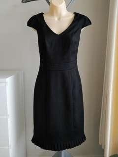 Review Black Pleated Hem Dress - Size 10