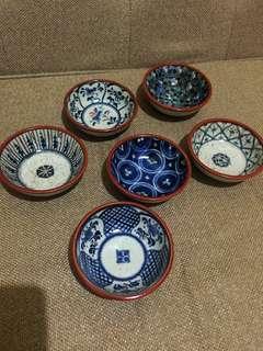Condiment bowls/banchan bowls (take all)