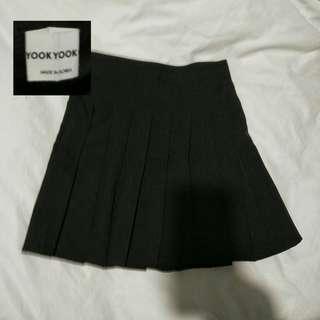 Korean branded pleated black skirt