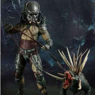 Hot Toys PREDATORS TRACKER PREDATOR WITH HOUND 1/6TH SCALE COLLECTIBLE FIGURE MMS147 MMS 147