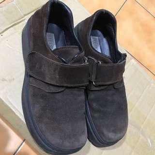 🚚 麂皮真皮 平底鞋 38號