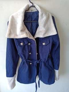 Jaket Bulu Hangat Warna Biru
