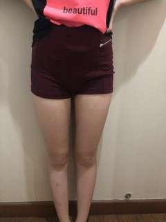(JUAL RUGI) PULL AND BEAR CELANA MINI SHORT MAROON