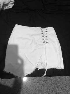 BrandNew White Skirt (only took out for photo)