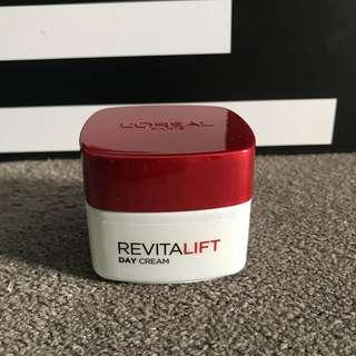 L'oreal Revitalift Day Cream SPF 23 PA++