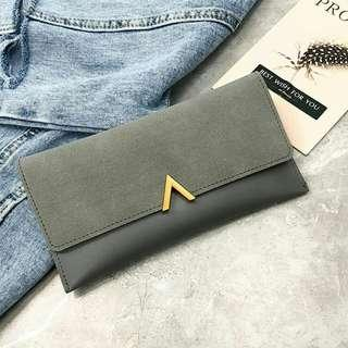 [interest check] buckle wallet