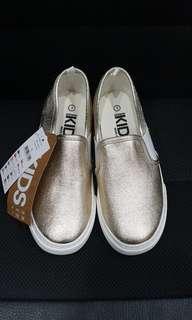 BNWT Girls Gals Gold Slip On Sneaker