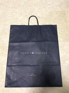 SALE 🎀 (Large) Tommy Hilfiger Paper Bag