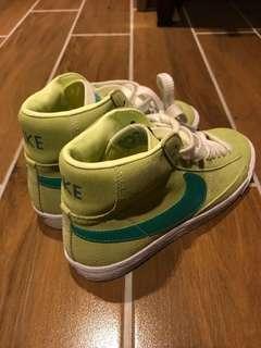 🚚 Nike 高筒球鞋