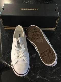 Converse BRAND NEW leather shoes
