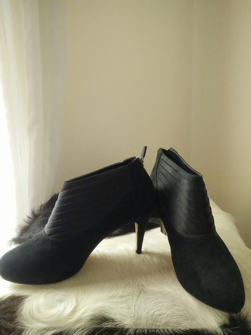 8cm Black boot