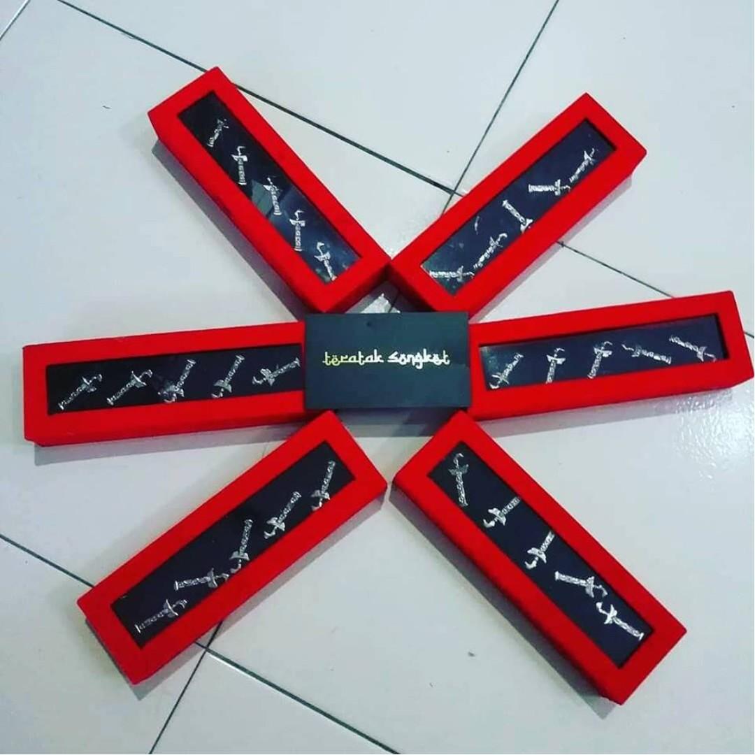 Aksesori Butang Baju Melayu Bentuk Keris. 6a335b39e6