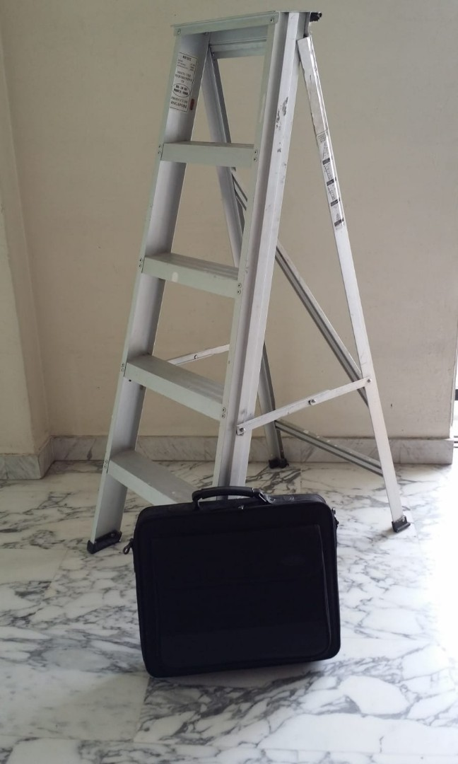 Enjoyable Aluminium Ladder 4 Steps Good Condition Till 25 Sept Ocoug Best Dining Table And Chair Ideas Images Ocougorg