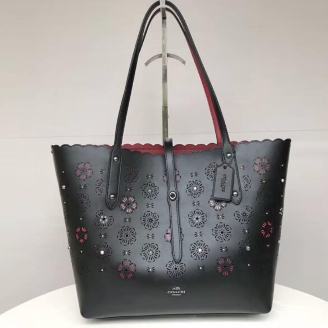 414ee72ca6c Coach Tote bag, Women's Fashion, Bags & Wallets, Handbags on Carousell