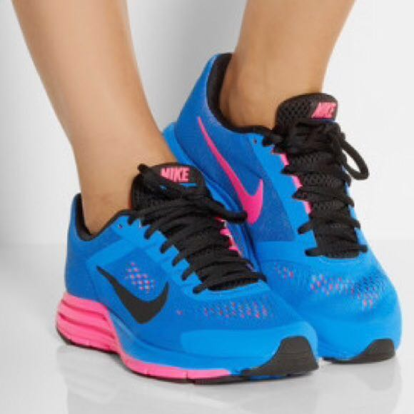 sports shoes 8be48 5be72 Genuine Nike Running Shoe - Zoom Structure + 17 Blue Hyper Pink