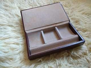 Jewelry box / book