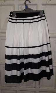 Midi Skirt Black & White strioes