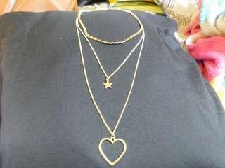 SET 1: Three-layered necklace
