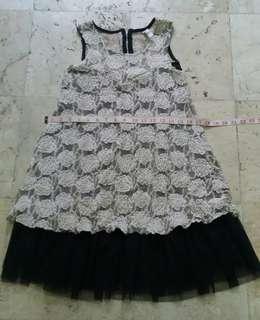 Elegant lacey dress