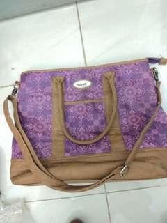 Tas babag untuk perlengkapan bayi