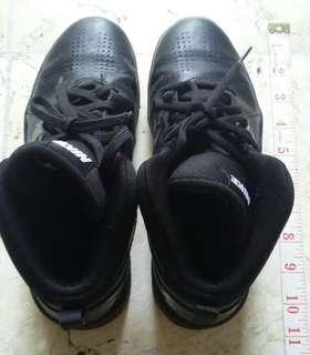 Authentic Nike hicut shoes