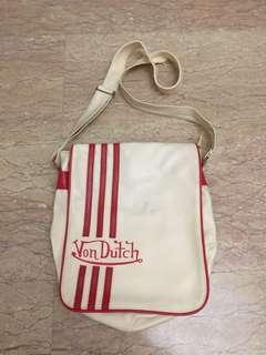 Sling Bag white red von dutch
