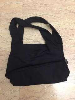 Small handbag carrier black lightweight