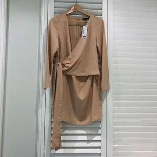 BNWT Boohoo wrap dress Sz12