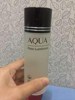 AQUA Pore Luminous