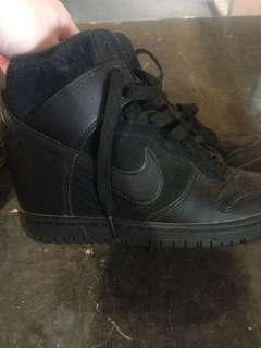 Nike pumps us ladies size 6 quick sale wanted