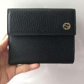 NEW Gucci Women's Snap Closure Bifold Cowhide Pebbled Leather Wallet (Black)