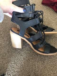 Pied a Terre heels