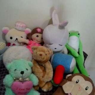 娃娃玩偶和肩帶