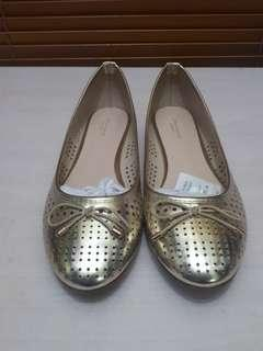 Urban & Co Gold Flat Shoes