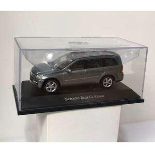Mercedes Benz GL Class 1/43 diecast model