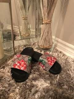 Gucci bloom Slides replica
