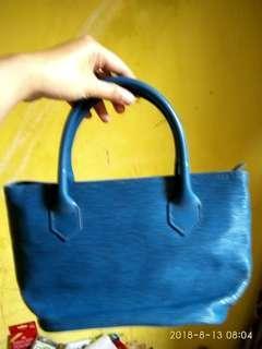 Tas tangan biru