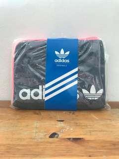 BNWT Adidas Tablet Pouch Ipad