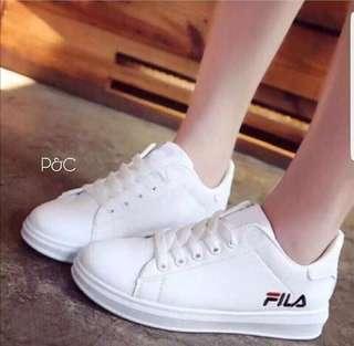 Sepatu FILA wanita